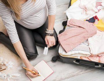 Que mettre dans la valise maternité de bébé ?