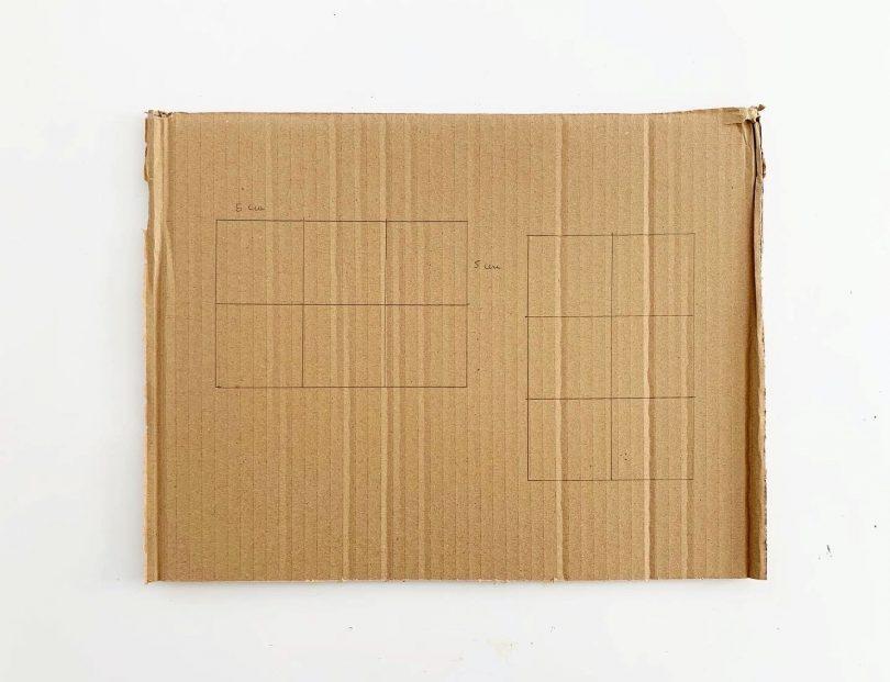 Tracer les grilles du loto de la mer sur un carton assez épais