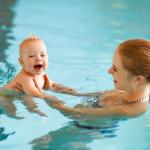 Aller à la Piscine avec Bébé : ce qu'il faut savoir pour en profiter!