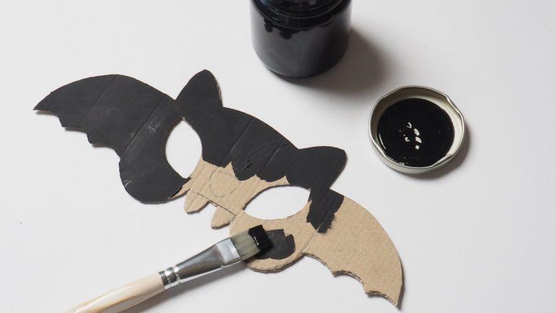 Peindre en noir le masque