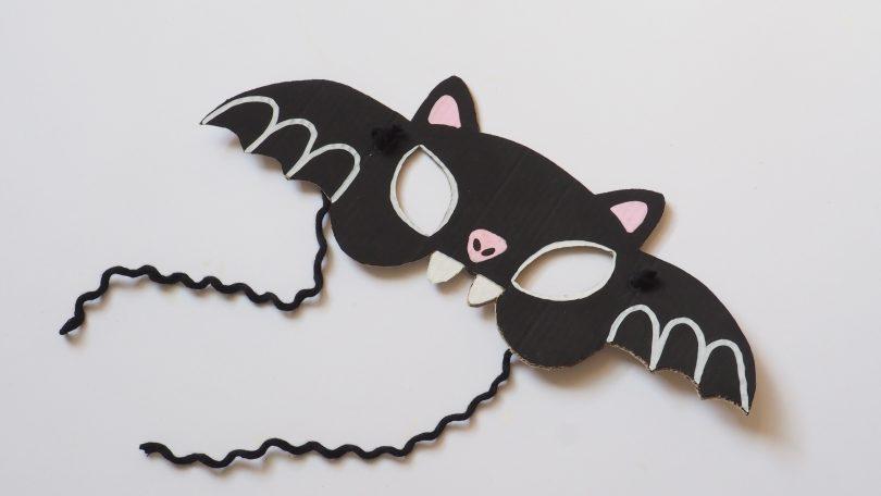 Tu as terminé la fabrication de ton masque pour Halloween .
